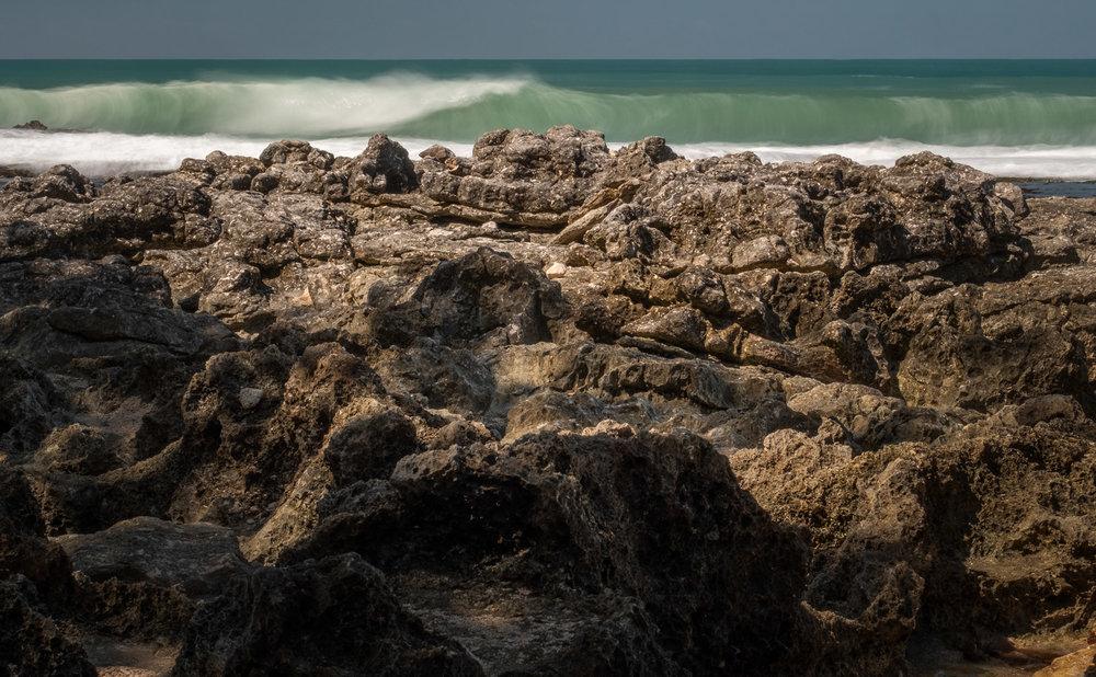Formasi karang di Karang Bokor. Fujifilm X-T2 | XF 55-200 | Athabasca Filter ARK II ND 64