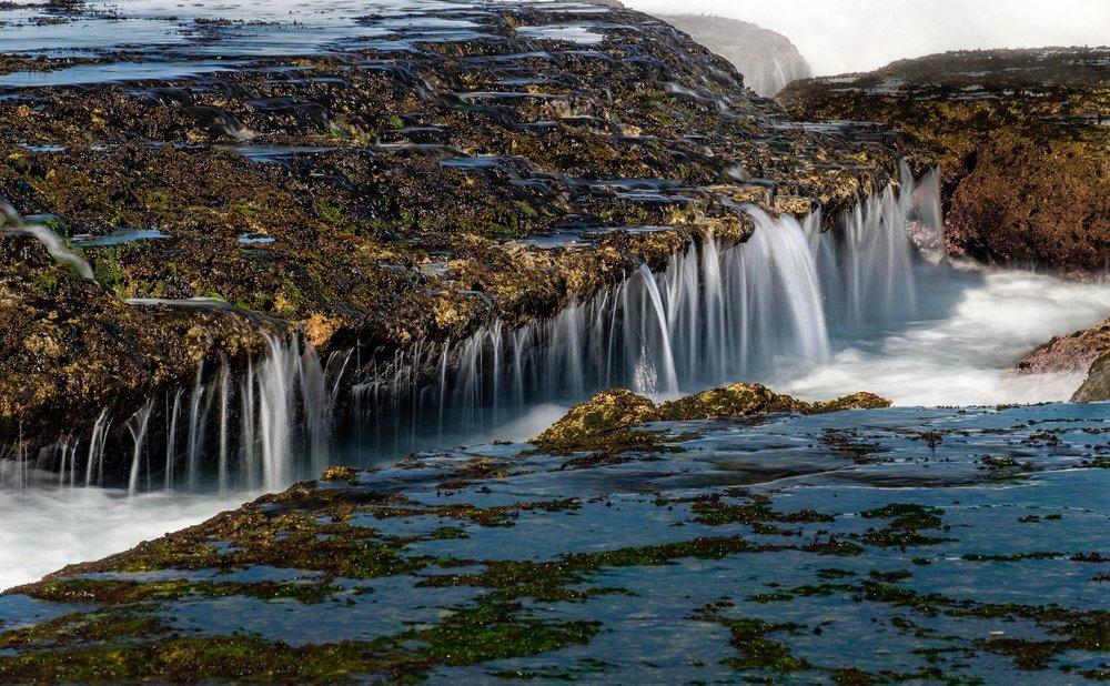 Menuju tempat ini mengharuskan menuruni jalan tanah yang cukup curam.  Fujifilm X-T2 | XF 55-200 | Athabasca Filter