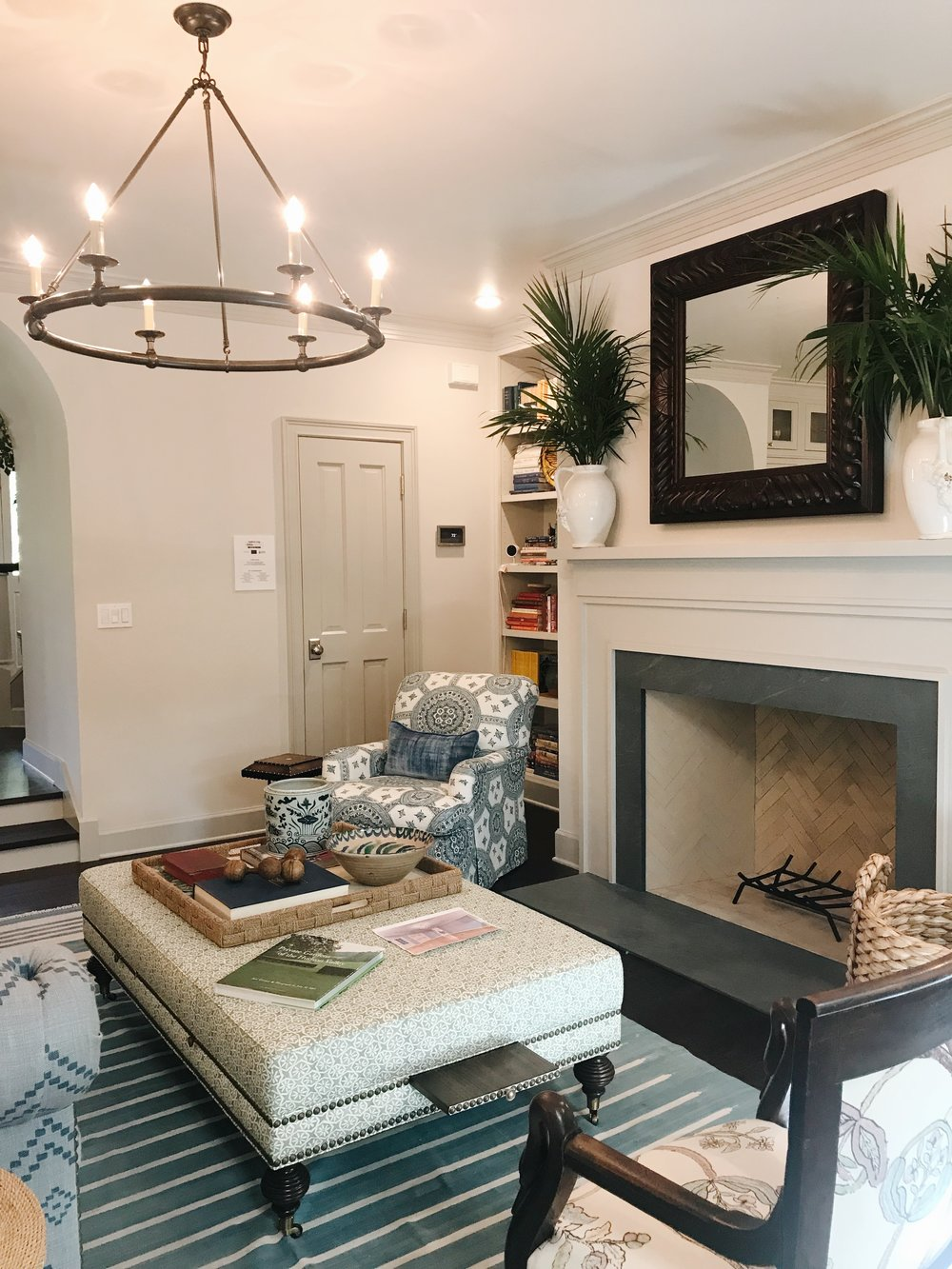 Avery Cox Design Blog: Southern Living 2018 Austin Idea House by Meredith Ellis, Living Room