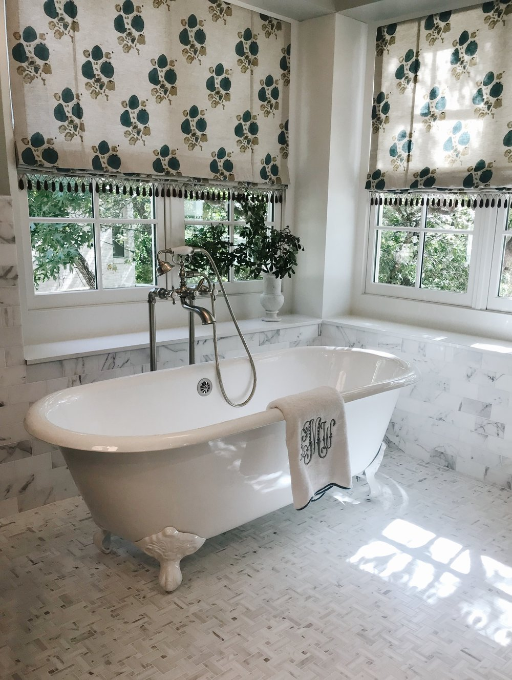 Avery Cox Design Blog: Southern Living 2018 Austin Idea House by Meredith Ellis, Master Bath