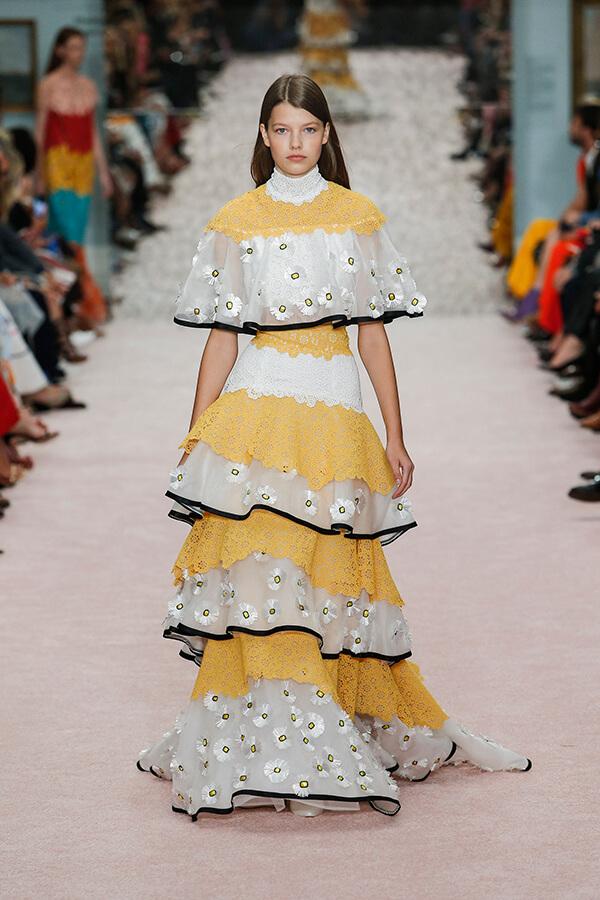 Carolina Herrera yellow lace and daisy dress for Spring 2019