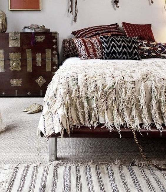 You can use handiras - shaggy wool and cotton shawls on the floor as well as on beds. They exhibit some of the finest weavin g work you can find in Morocco