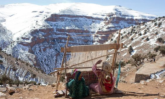 Working outside on a vertical loom. Photo :  Reuters photographer Youssef Boudla