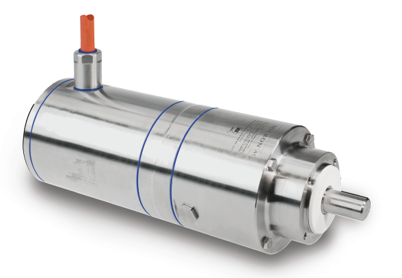AKMH™ servo motor with Aquatrue AQT™ gearbox • 32µ surface finish • No exposed flat surface • No metal to metal seams • Purpose built to allow for 2 to 12 pH cleaning agents - motor and cable • Purpose built to withstand 1450 psi spray from any direction - motor and cable