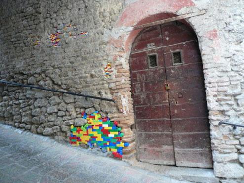 LegoWall2.jpg