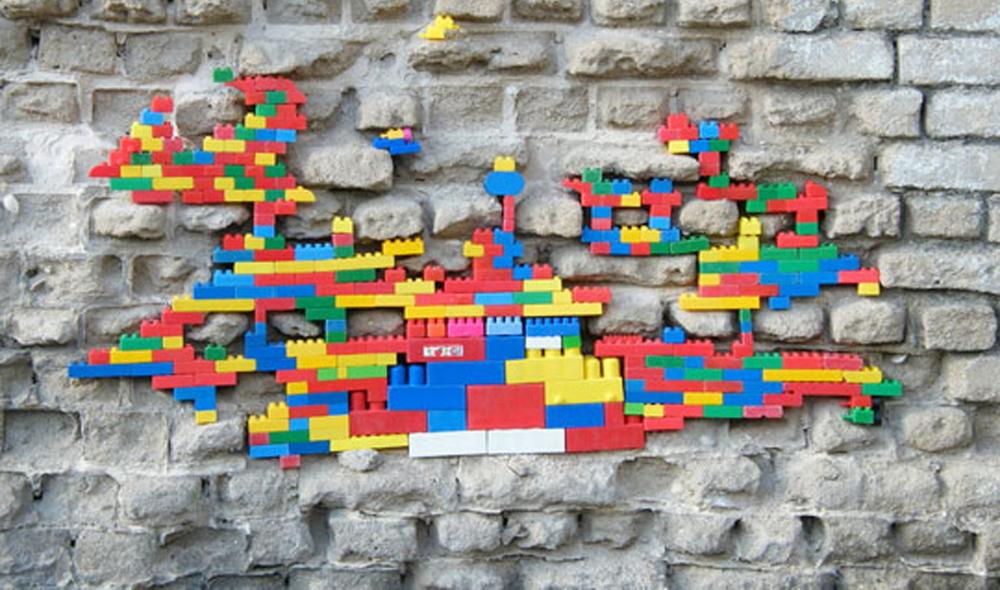 LegoWall1.jpg