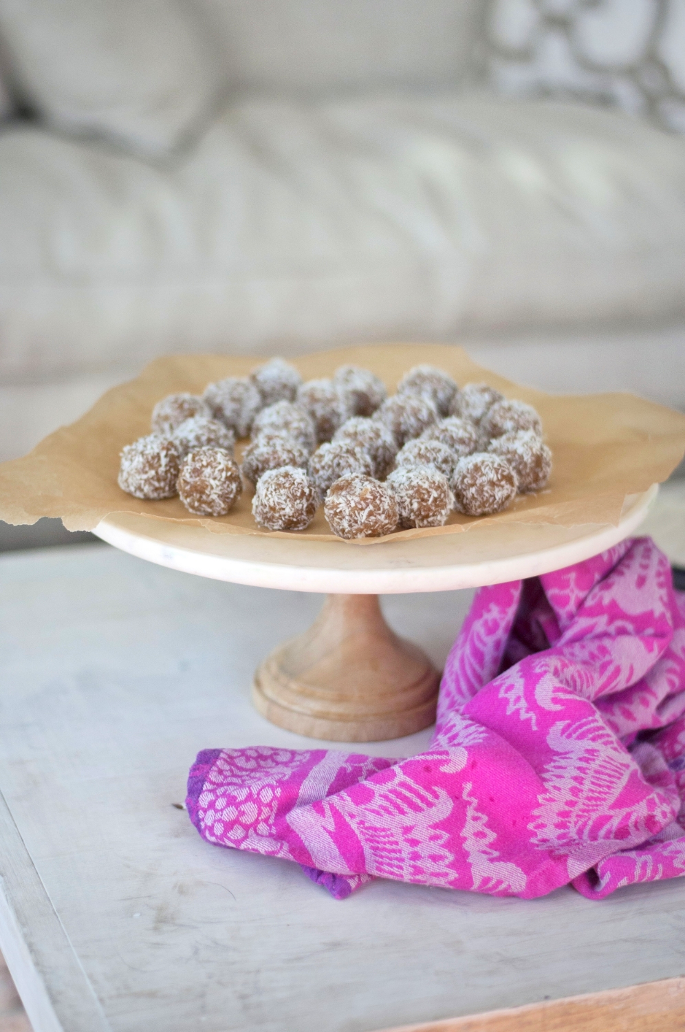 Erin Stanczyk | Lifestyle Design | eat.move.rest. | ERIN'S CHEWY-GOOEY DATE ENERGY BITES