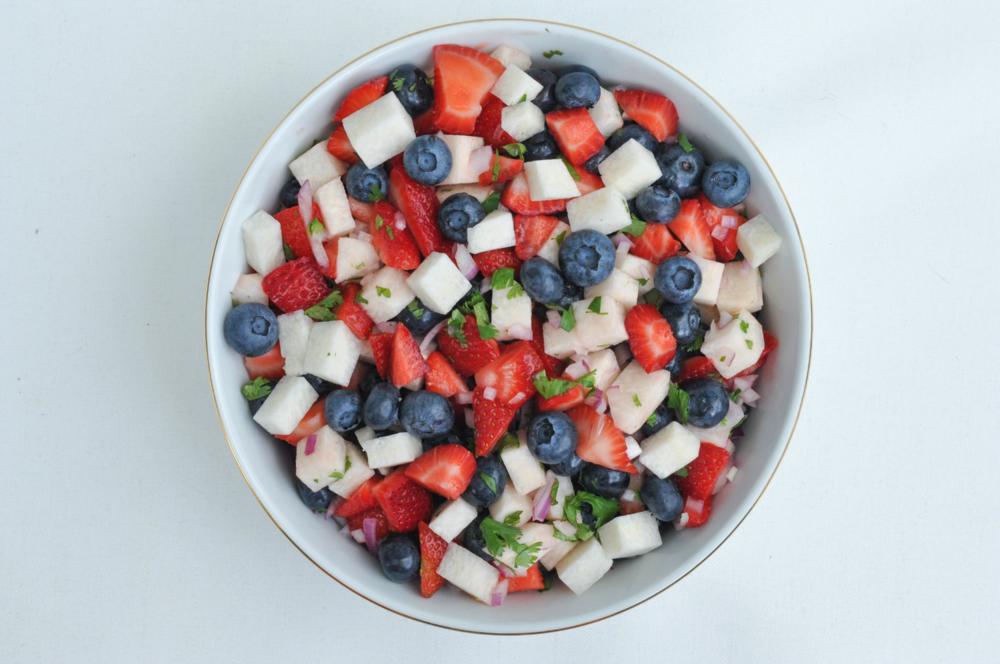 Erin Stanczyk | Lifestyle Design | eat.move.rest. | RED, WHITE, & BLUEBERRIES PART II: BERRY PATRIOTIC JICAMA SALSA + A SPLASH OF STYLE
