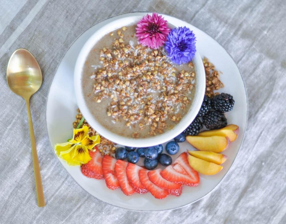 Erin Stanczyk | Lifestyle Design | eat.move.rest. | VEGAN GRAWNOLA: EASY RAW (OR BAKED) GRANOLA