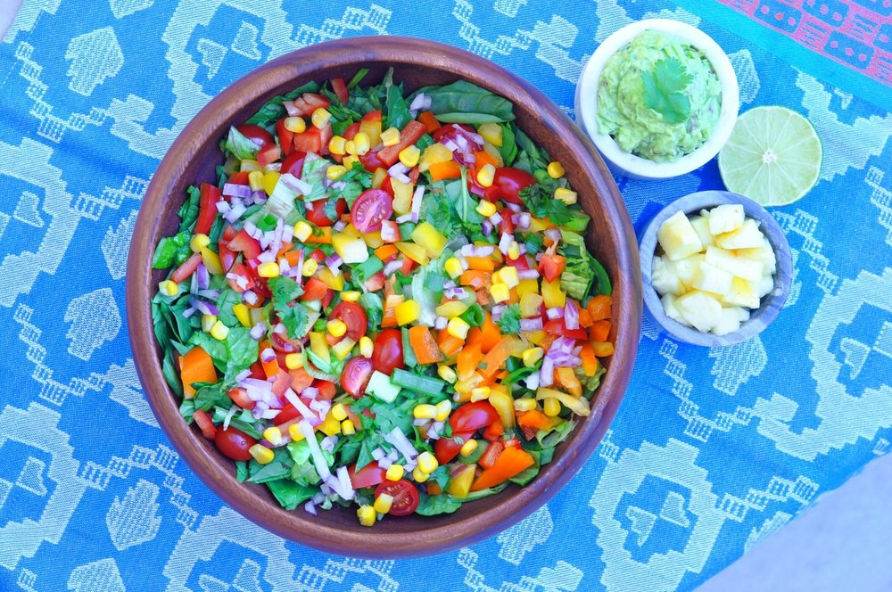 Erin Stanczyk | Lifestyle Design | eat.move.rest. | WHAT I EAT FOR LUNCH: A ROCKIN' RAW, RAINBOW FIESTA SALAD RECIPE