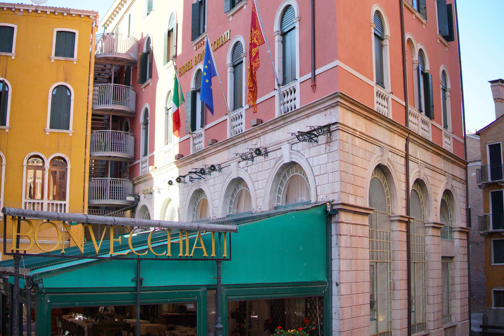 EATMOVEREST IN ITALY, PART 1: VEGANS IN VENICE