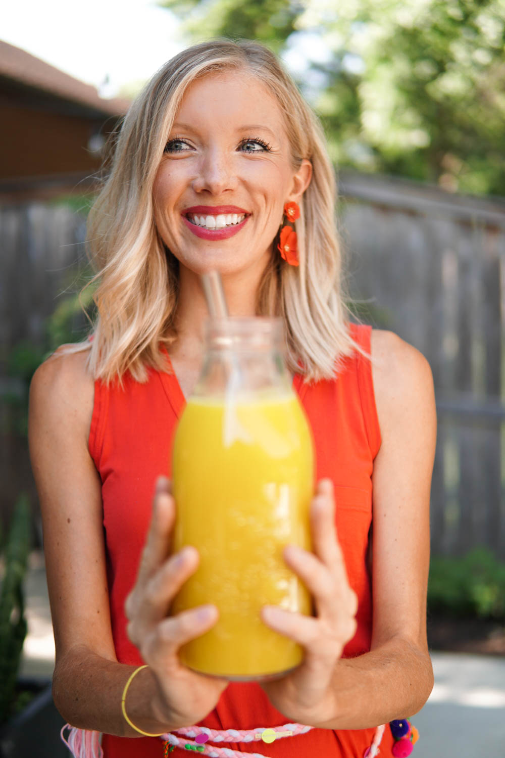 LIQUID GOLD: ANTI-INFLAMMATORY JUICE RECIPE TO BEAT BELLY BLOAT & AID IN DIGESTION | Erin Stanczyk | Lifestyle Design | EatMoveRest