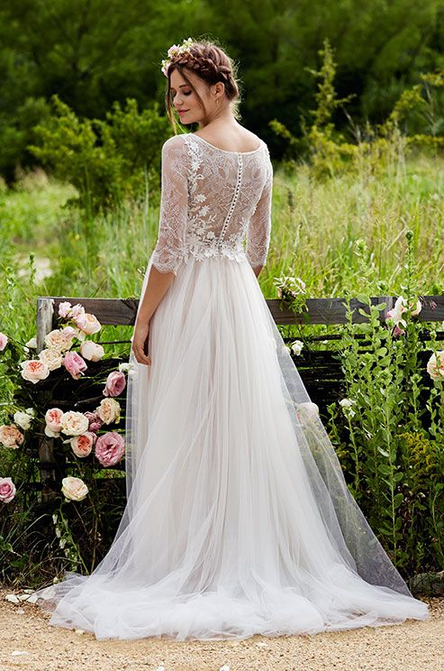 http://www.colincowieweddings.com/wedding-dresses/love-marley-spring-2015/complete/fullsize/01