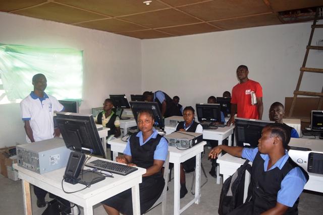 COM CLASS (2).JPG