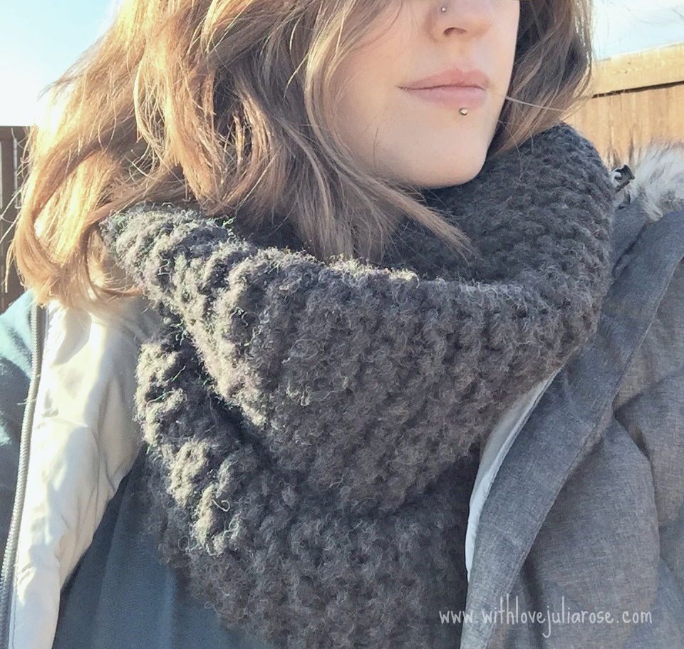 Easy Chunky Knit Cowl