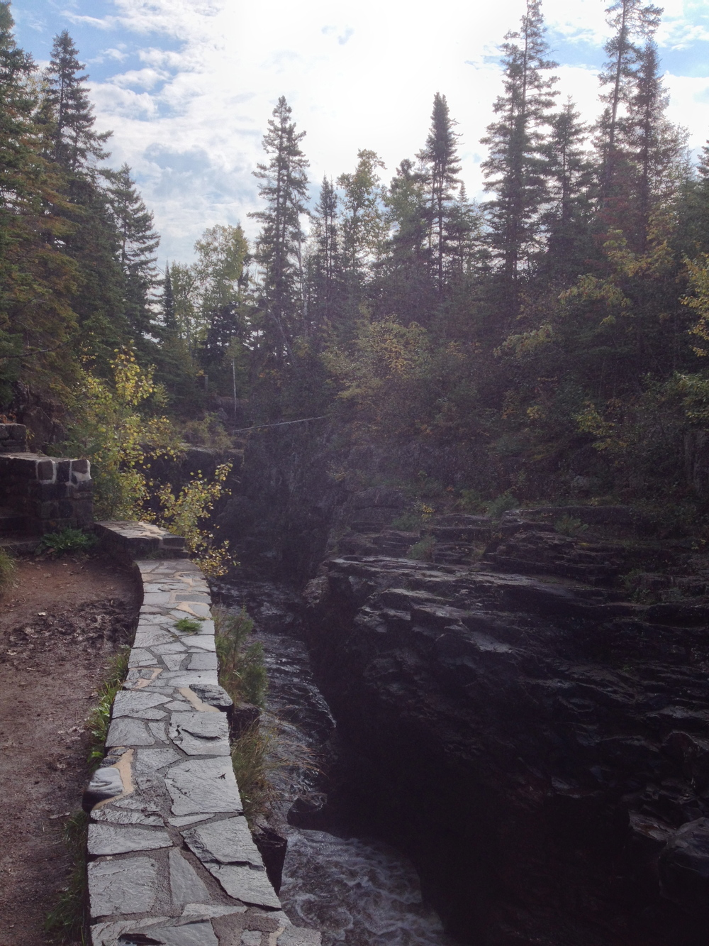 Cliffs and forest at Temperance River State Park