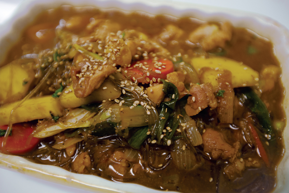 봉추찜닭   Braised Chicken  $20.95