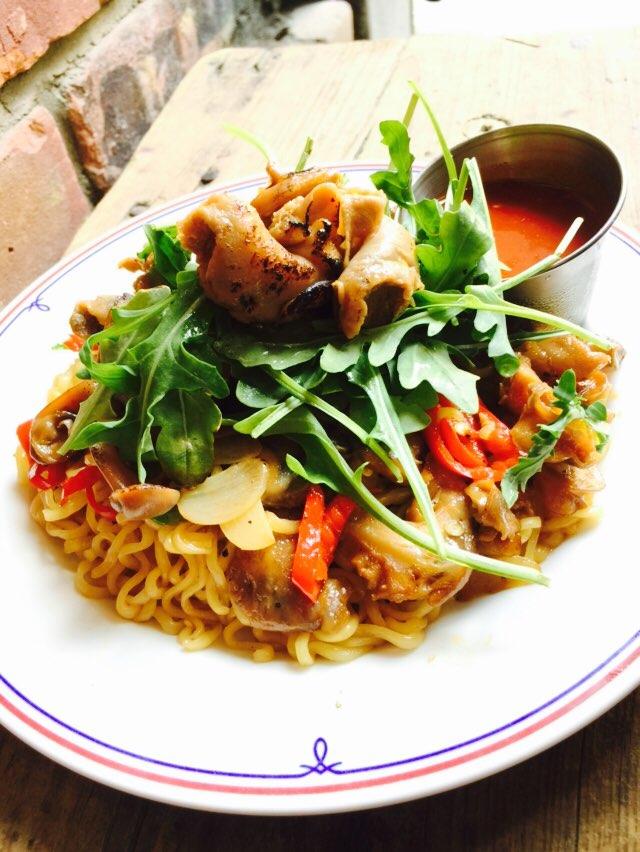 "JUNE '15 / discontinued 2015년 6월 소울푸드 <골라:골뱅이볶음라면 Stir-fried Noodlewith Escargot $15.95 > 마늘향 가득한 버터소스로맛을내고 고추의 매콤함으로느끼함을 잡아낸 골뱅이와라면의 완벽한 조화. 입맛대로 ""골라""를골라드세요!"