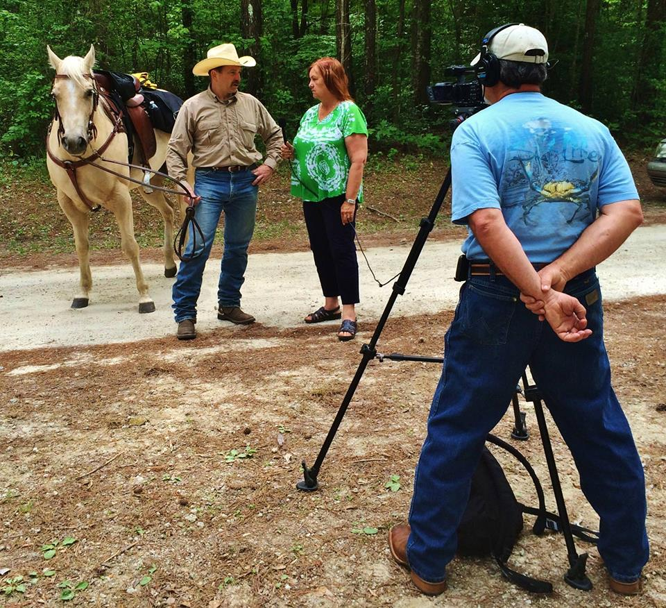 Enjoy this magazine style equestrian television show as Rose takes us all across the Carolinas.  This was the first weekly television show in North Carolina about the equine industry! Now broadcast nationwide and in 42 countries on Farm and Ranch TV network.