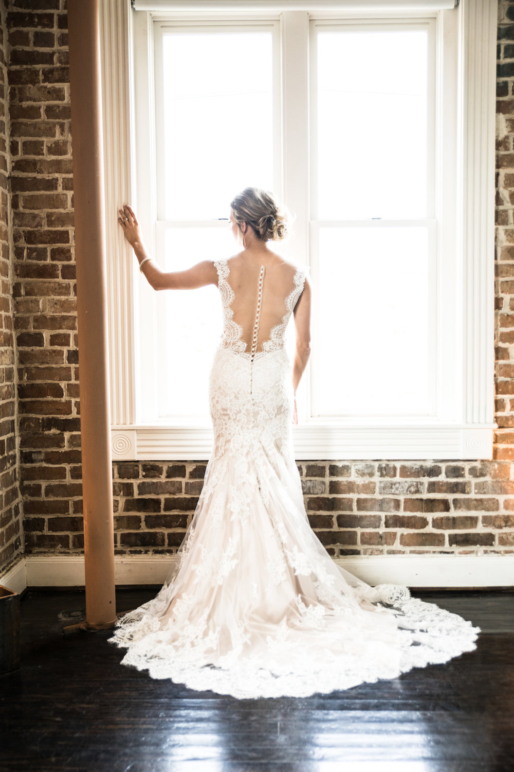 Swooning over this breathtaking bridal portrait!