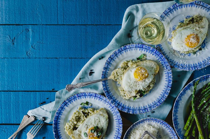Recao risotto with fried egg