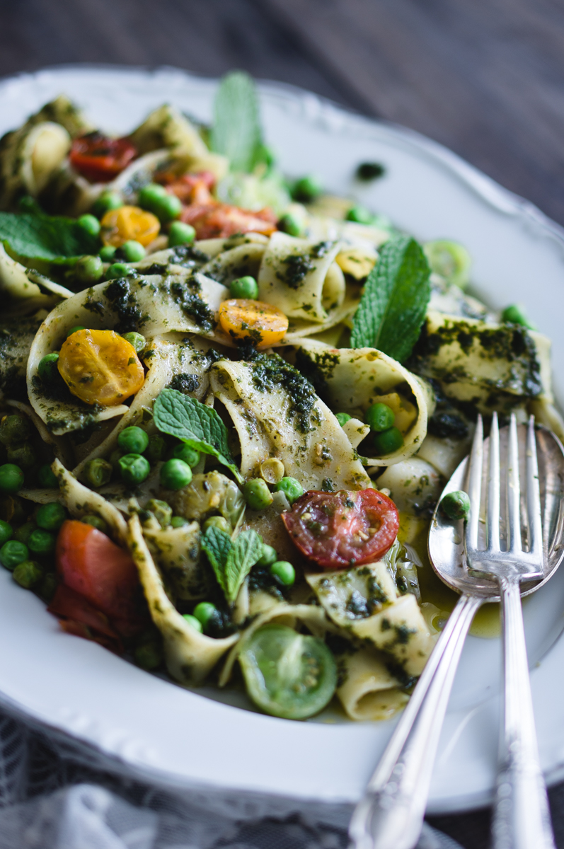 Papardelle with peas, pesto and tomatoes