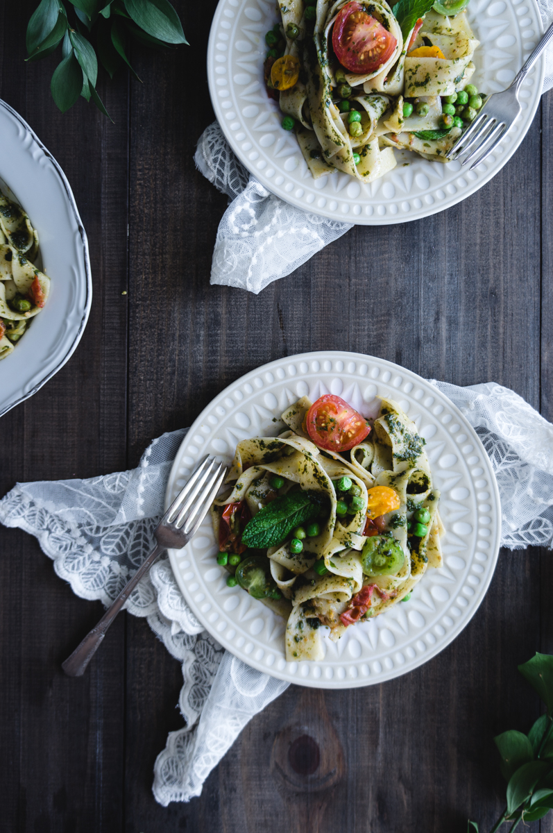 Papardelle with peas, pesto and fresh tomatoes