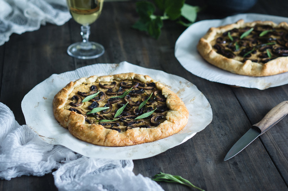 Chickpea and mushrooms crostata recipe
