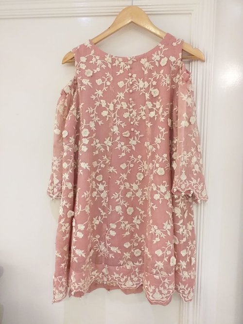 2fc97542f1 Agha Noor Tea Pink Net Embroidered Cold Shoulder Outfit- S — Kurta ...
