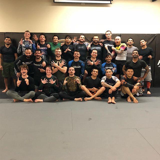 Thanks @1moreround for the new ninja moves @10porange . . . . . . #orange #10thplanetorange #orangecounty #jiujitsu #jiujitsugirls #jiujitsu4life #jiujitsulifestyle #ebi #m85 #fitness #yoga #trainordont