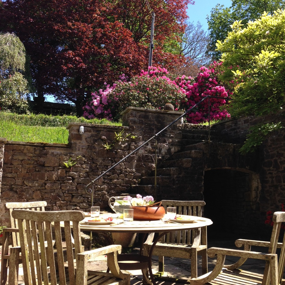 Perfect weather for an alfresco lunch