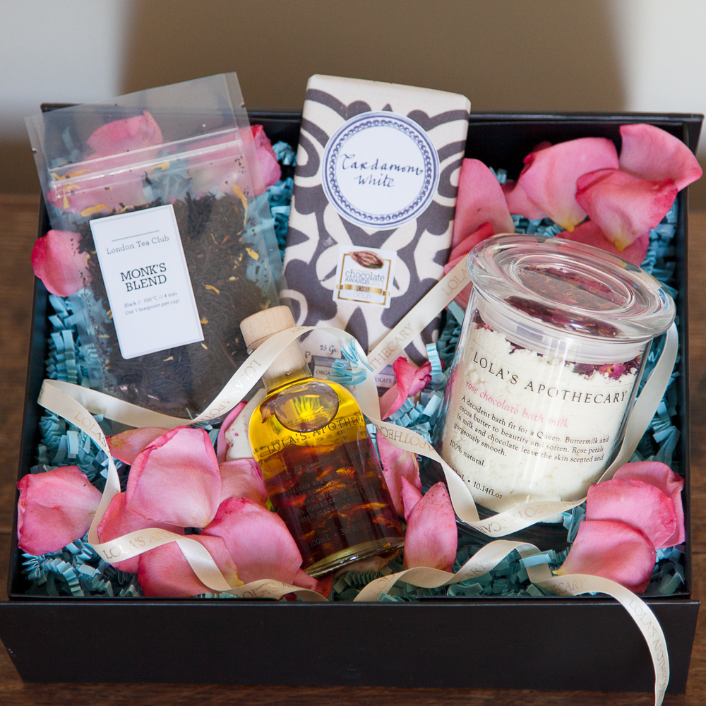 Queen of Roses Gift Set