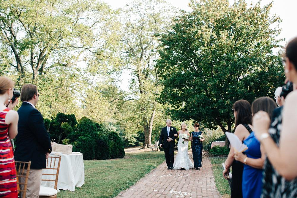 0539_megan_beth_dawson_river_farms_wedding.jpg