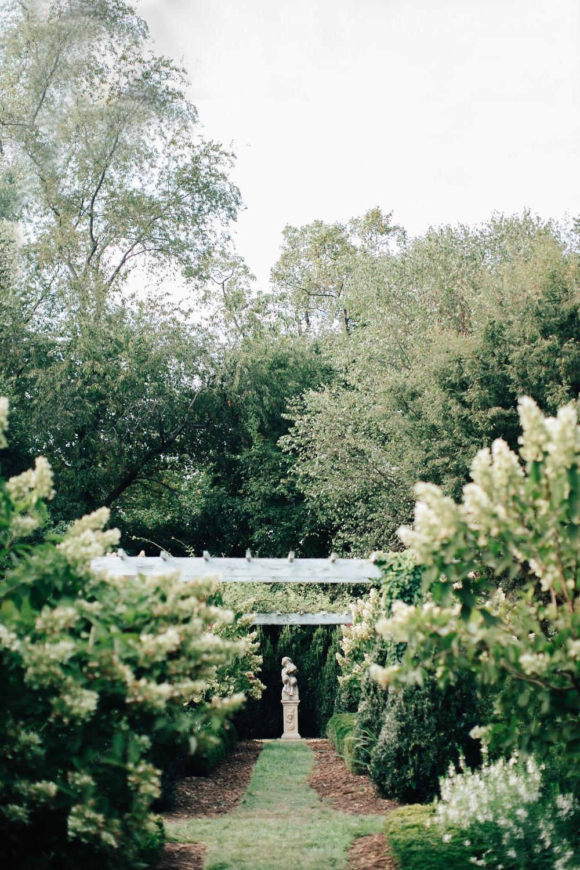 0810_megan_beth_dawson_river_farms_wedding.jpg