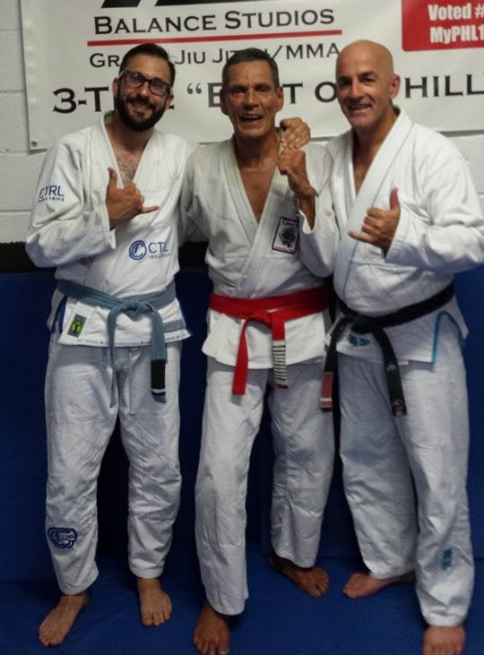 We present you our guest writer Michael  Czapczynski, nooo not grand master, red belt Relson (it's the guy on the left)