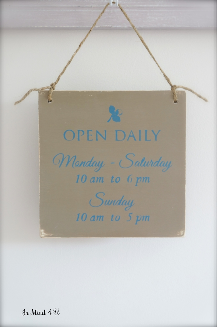 Custom Business Hours Sign by In Mind 4 U