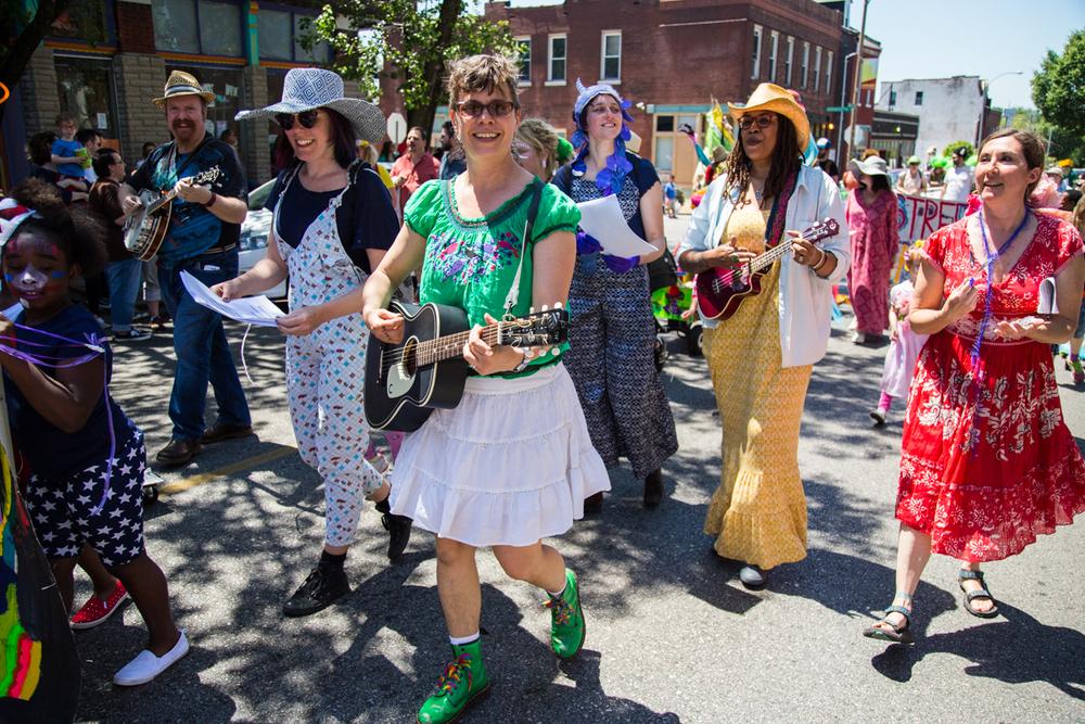 Cinco-cherokee-parade-web-8667.jpg