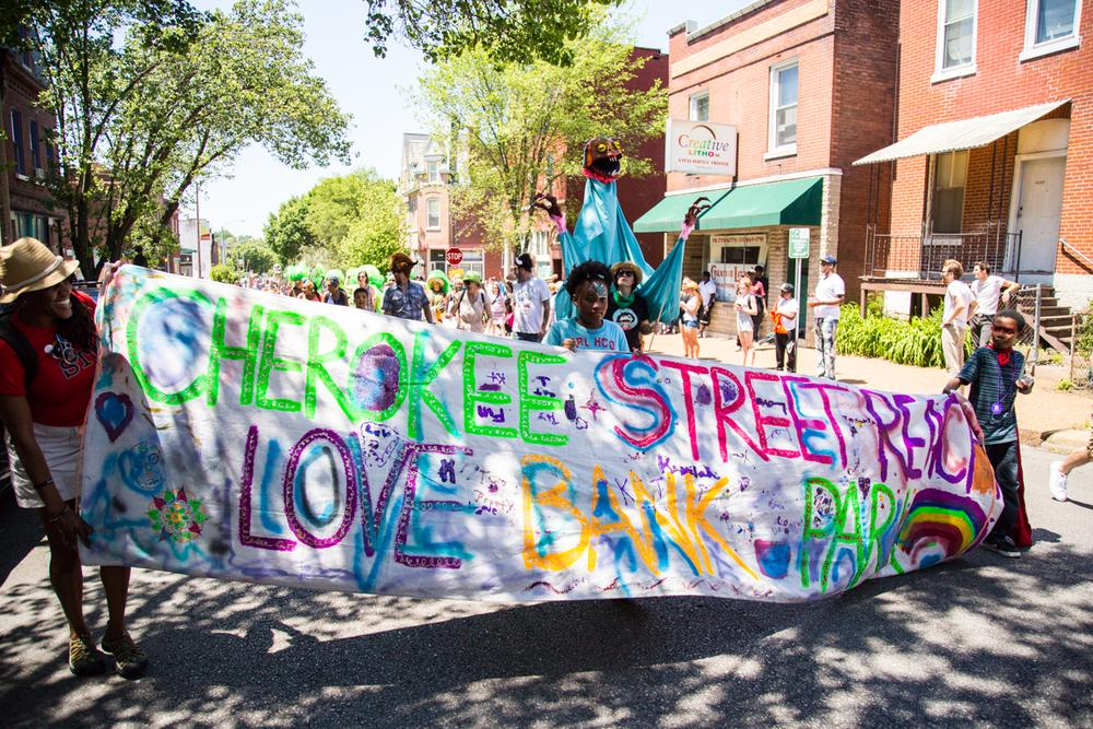 Cinco-cherokee-parade-web-8680.jpg