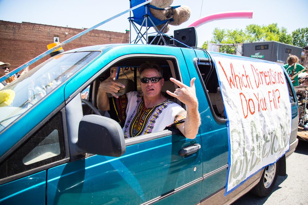 Cinco-cherokee-parade-web-8858.jpg