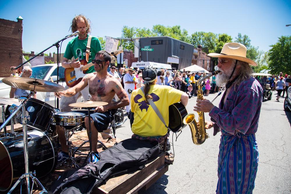 Cinco-cherokee-parade-web-8864.jpg