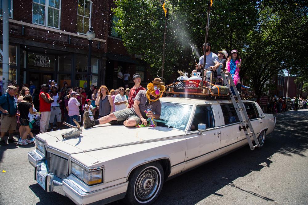 Cinco-cherokee-parade-web-8932.jpg