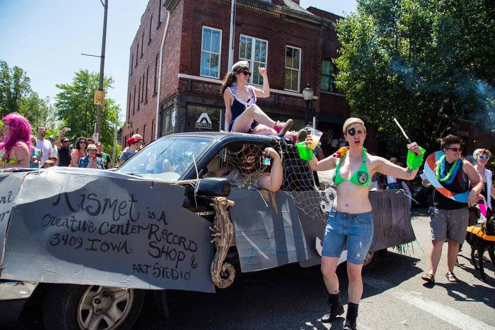 Cinco-cherokee-parade-web-8946.jpg