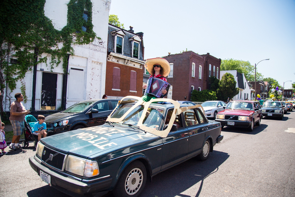 Cinco-cherokee-parade-web-9195.jpg
