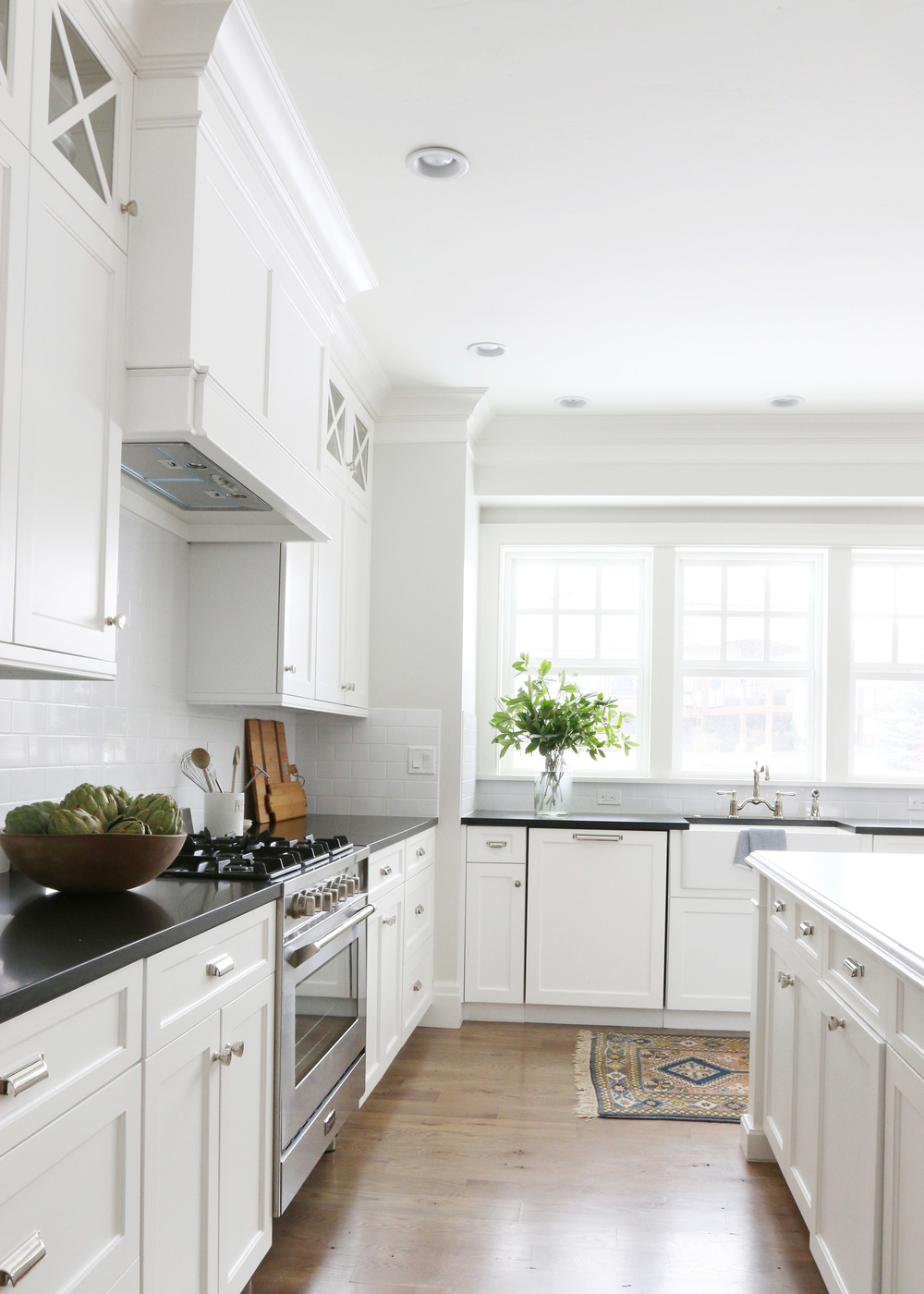 Farmhouse sink and antique rug || Studio McGee