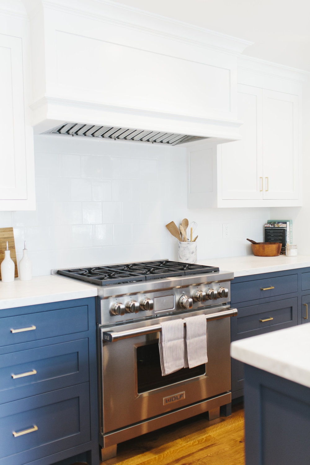 Cream Kitchen Cabinets Blue Walls