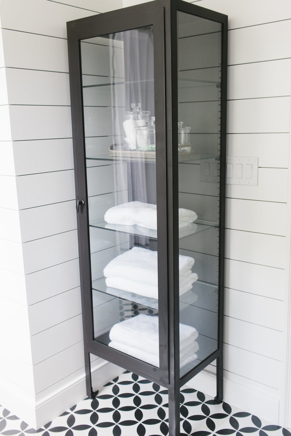 Pharmacy cabinet in the bathroom || Studio McGee