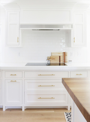 Cabinet+details+and+brass+hardware+||+Studio+McGee.jpg