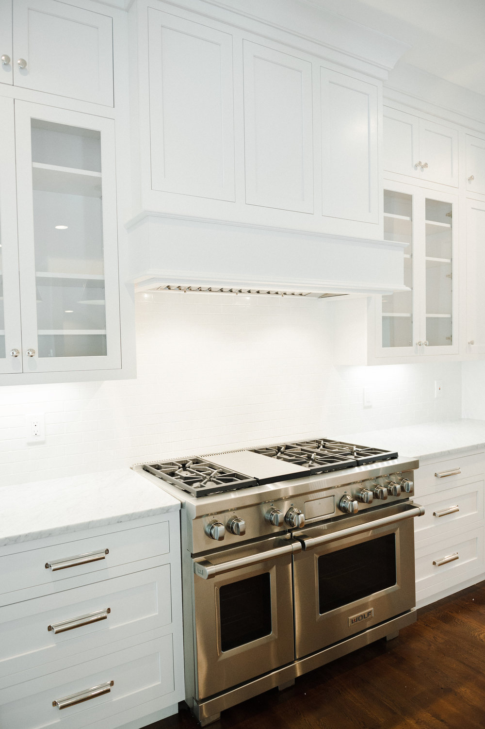 White inset cabinets and hood design || Studio McGee