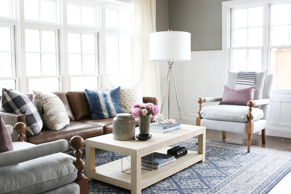 White coffee table in modern living room