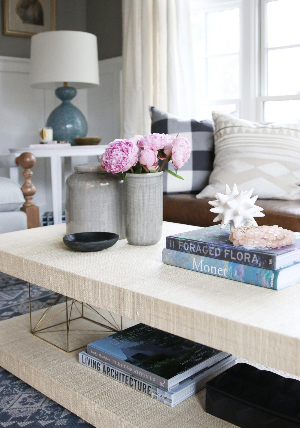 Double shelf on coffee table